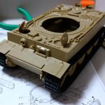 もみじさんの戦車プラモ作成記 その⑤ ~ティーガーⅠ後期型の車体と履帯を組み立てました~